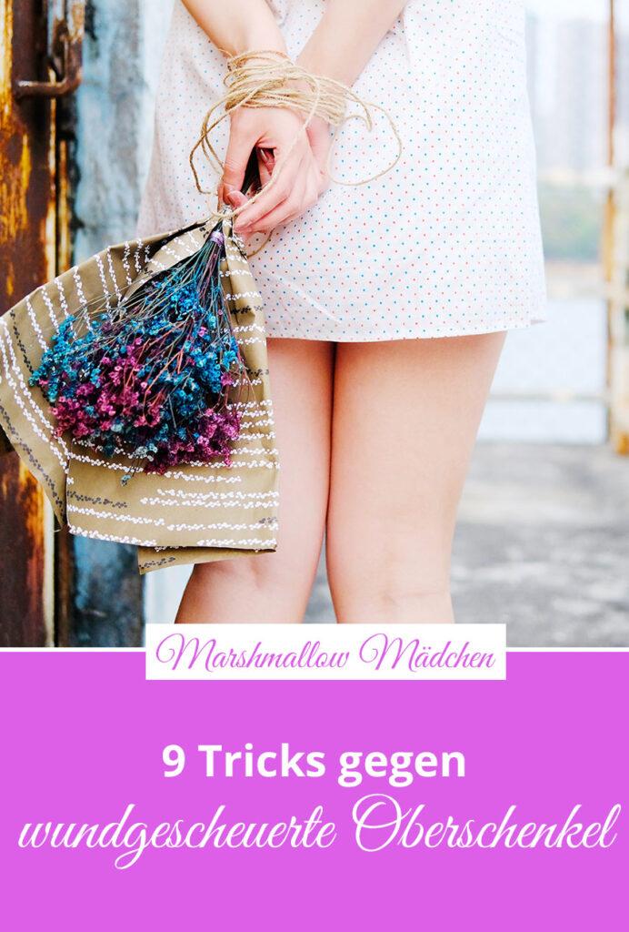 Vor allem im Sommer - wenn man Röcke und kurze Hosen trägt - passiert es häufig, dass die Innenseiten der Oberschenkel aneinanderreiben und einen brennenden Schmerz verursachen. Doch wundgescheuerte Oberschenkel lassen sich vermeiden. Marshmallow Mädchen stellt dir neun Tricks und Hilfsmittel vor, damit Oberschenkel nicht reiben.